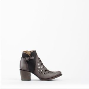 Sale 🎉Leather booties